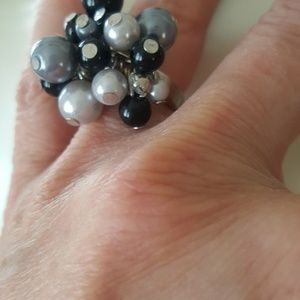 unbranded Jewelry - 🔴3/$15 statement cocktail ring size 6 faux pearl